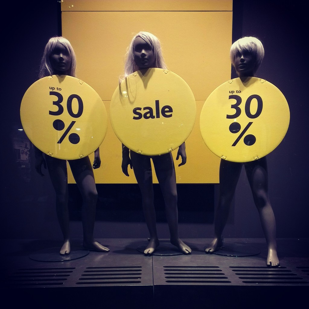 United Colors Of Benetton: Creepy sale.