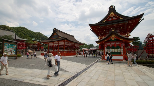 Beim Fushimi Inari Schrein.