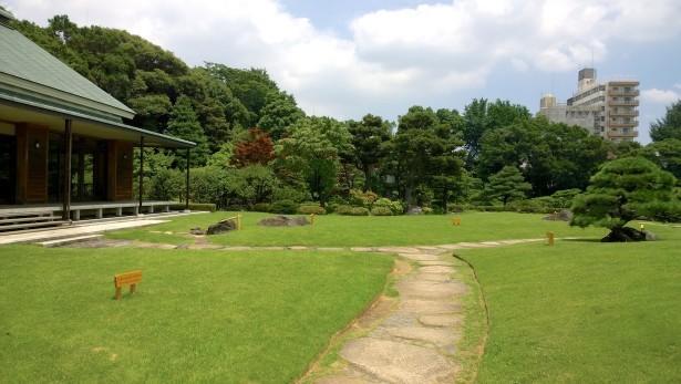 Angekommen im wunderschönen Kiyosumi Garten.